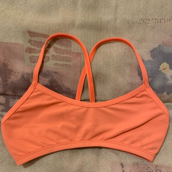 Jolyn Clothing Other - Leon top style coral color size XS
